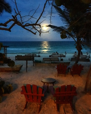 MoonRise in Tulum