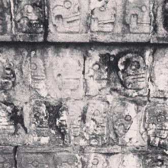 skulls at Chichen Itzá